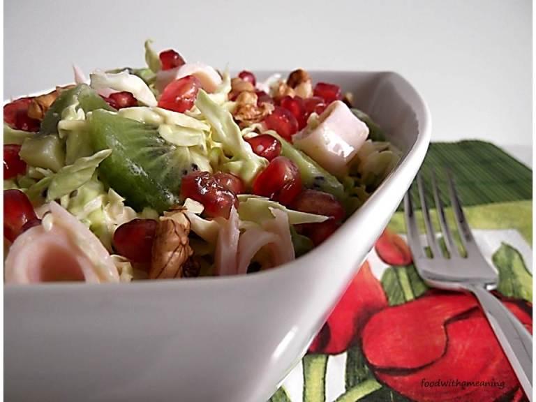 salada de couve e frutos_foodwithameaning