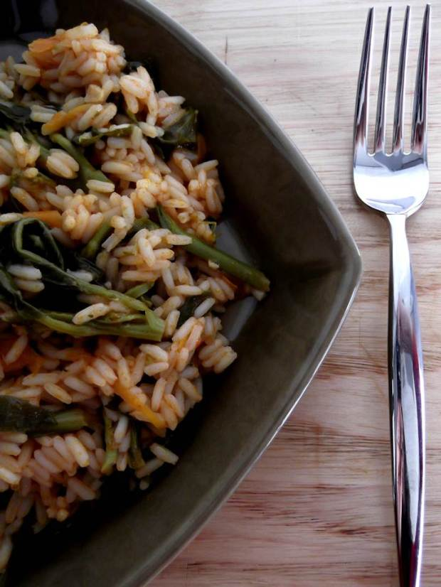 arroz de grelos com cenoura e tomate