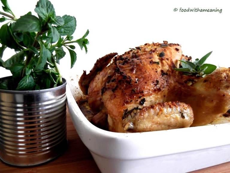 frango assado com ervas aromáticas_foodwithameaning