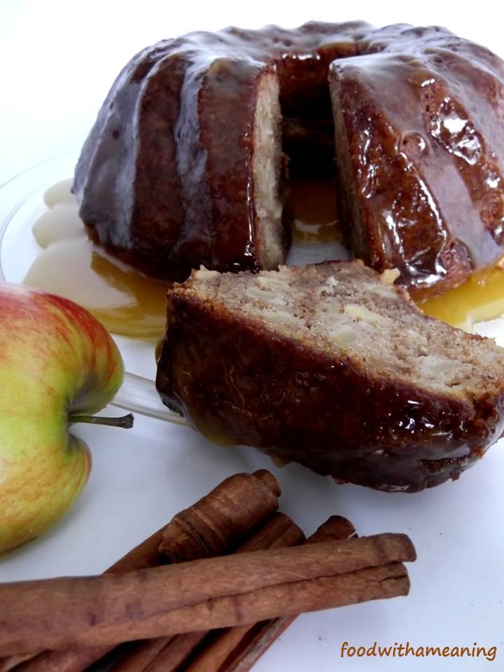 Bolo de maçã e especiarias