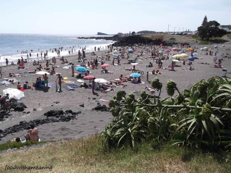 Praia pequena do Pópulo