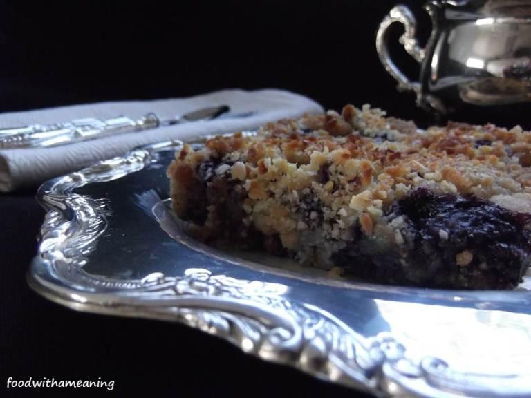 Crumble de mirtilos açorianos e batata doce