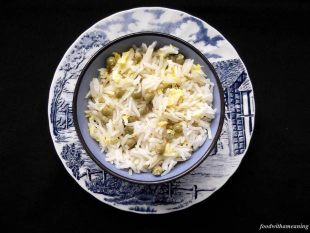 arroz de ovo e ervilha