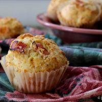 Muffins salgados de bacon fumado e chourição