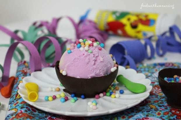 taça de chocolate feita com balões de água