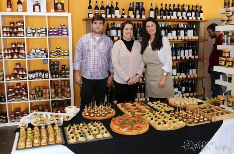 Proprietários da Loja Raminho de Salsa