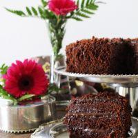 Simplesmente o MELHOR bolo de chocolate de SEMPRE...Brooklyn Blackout Cake