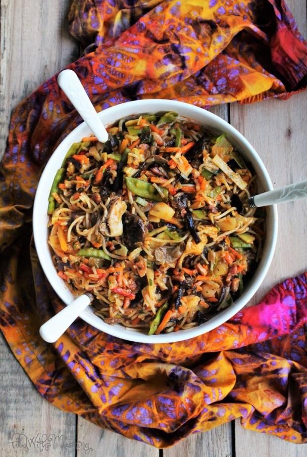 esparguete de ameijoa e legumes chineses