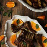Carré de borrego com sabores indianos e com laranja (e algumas confissões fotográficas à mistura)