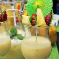 Partilhando bebidas de verão (só para adultos)