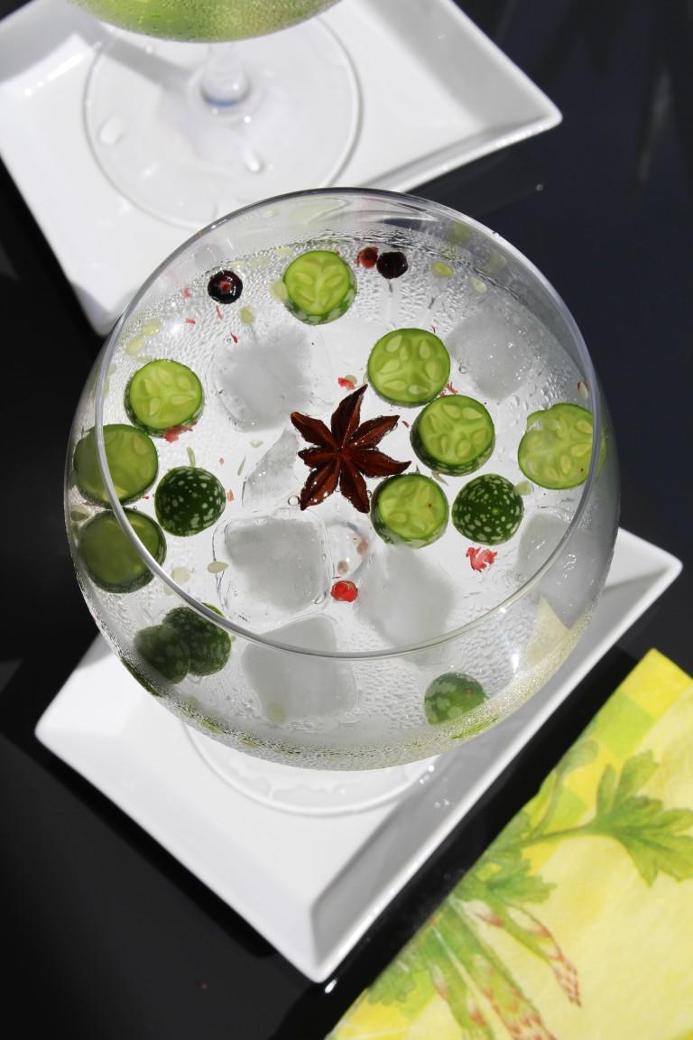 gin com cuca melon, pimenta rosa e anis estrelado