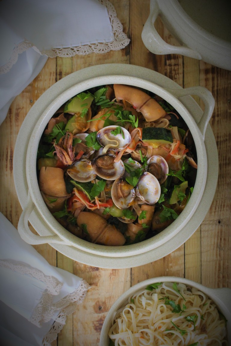 estufado de lulas com ameijoas e legumes