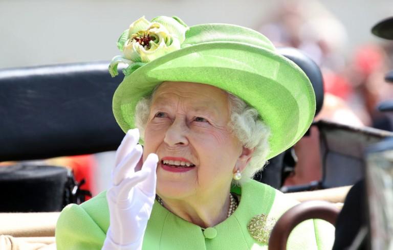 2017-06-20-10-A-rainha-Isabel-II