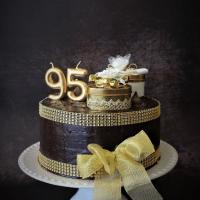 O bolo dos 95...Parabéns Bisa!