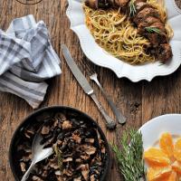 Lombinhos de porco com salteado de cogumelos com bacon