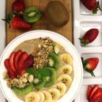 Papas de Aveia com canela, fruta e granola