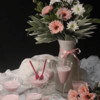 Sobremesa de iogurte e gelatina de framboesa
